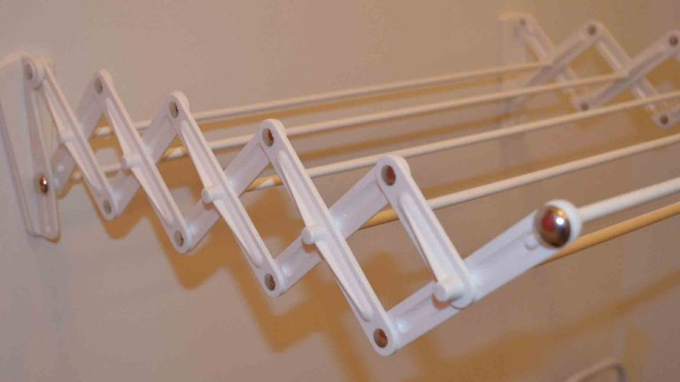 cloth-drying-hangers-wall-mounted